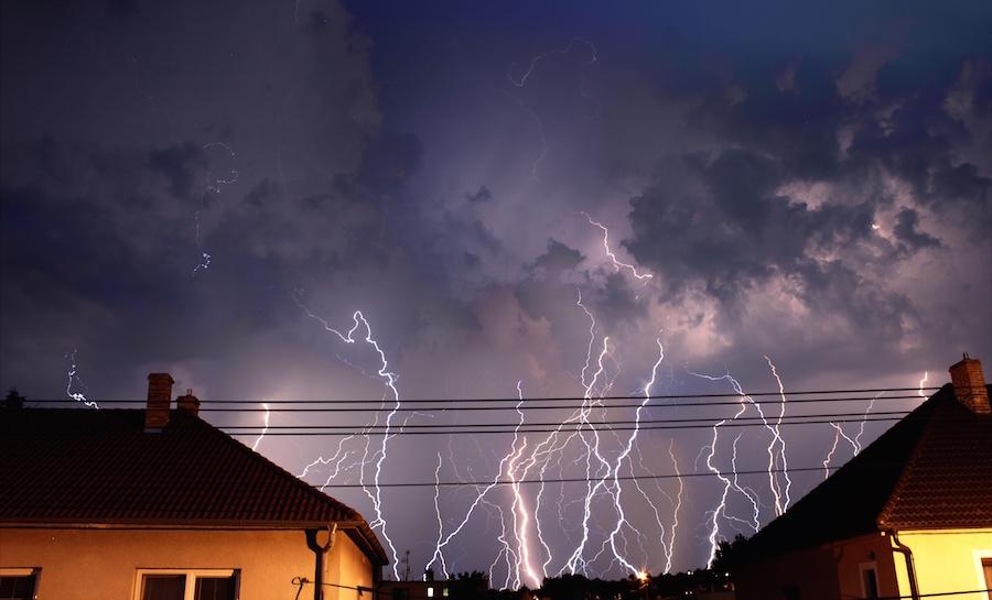 20 minút búrky v Senici v jednom zábere. Foto: Pavol Janúšek