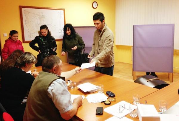 volby-prezidenta-na-zahori-moravsky-svaty-jan-volebna-miestnost-prve-kolo