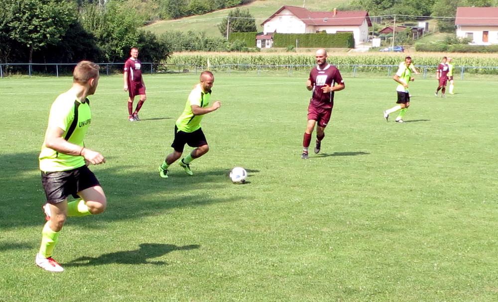 4f559b6f97 Futbal v oblasti  Rozbehli sa súťaže riadené Oblastným futbalovým ...