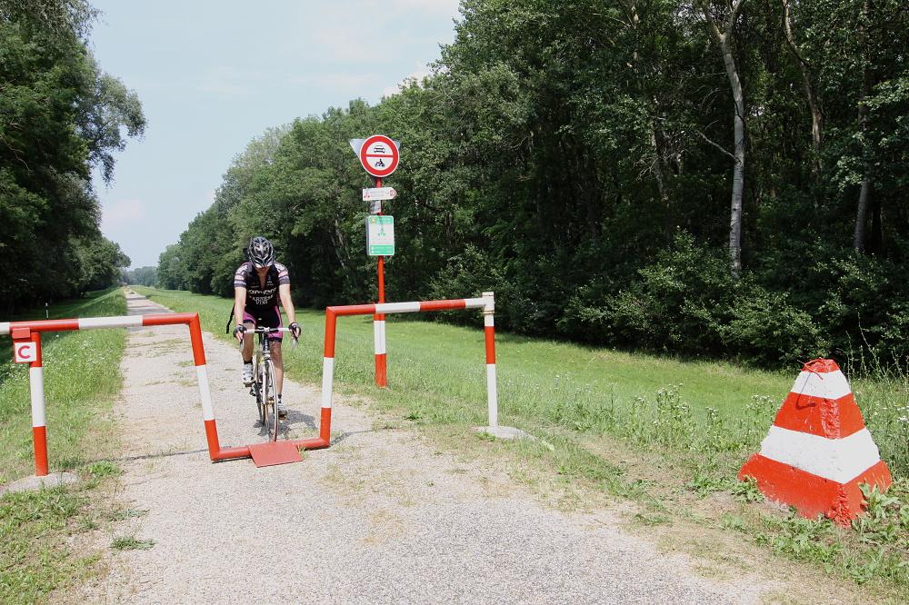 Moravská cyklotrasa pri hraničnom prechode v Moravskom Svätom Jáne