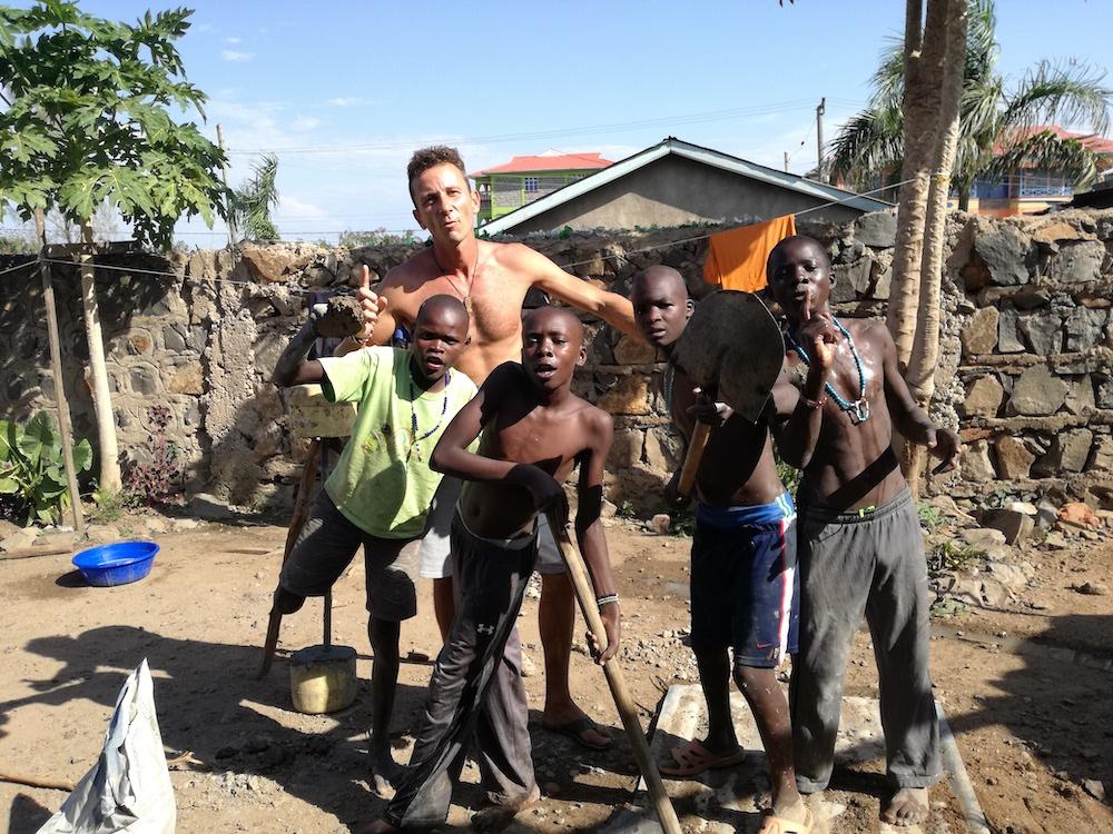 8d8cb2a1f Prvá misia v roku 2010 ho priviedla do Južného Sudánu. Pôsobil v  saleziánskom centre v dedinke Gumbo, kúsok od hlavného mesta Juba.