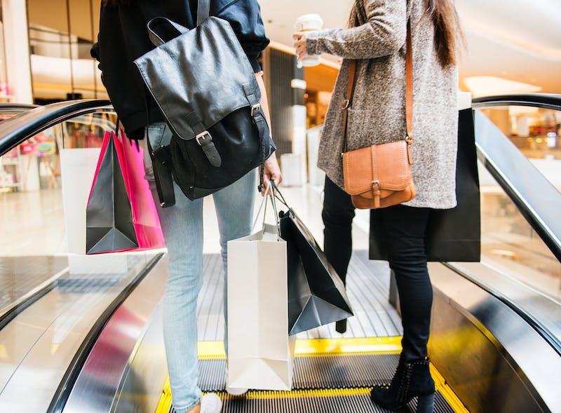 Výpredaje Bory Mall